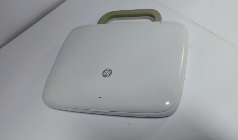 LAPTOP HP BLANCA